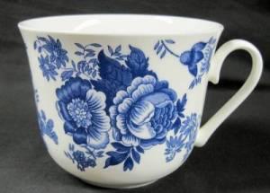 Jumbo Blue Victorian Mug