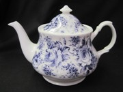 English Chintz Six Cup Teapot