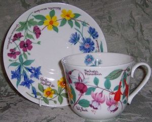 Garden Flowers breakfast cup and saucer