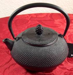 Hob Nail Teapot