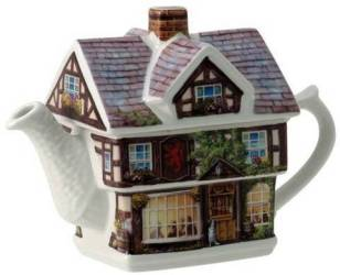 Red Lion Inn Teapot