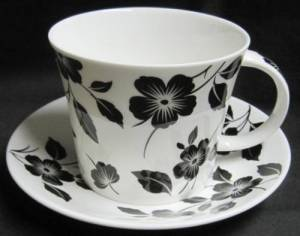 Moderne breakfast cup and saucer