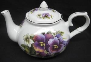 Pansy Six Cup Teapot