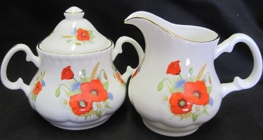 Poppy Cream and Sugar Set