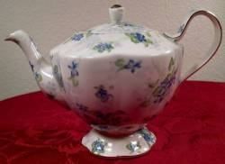 Royal Estate Teapot