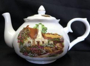 Rural Scene Six Cup Teapot