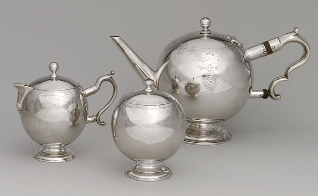 1733 Antique Silver Teapot