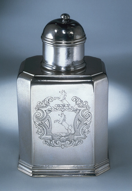 1725 Antique Tea Caddy